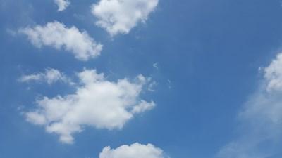『阅兵蓝』我在唐山  今天天更蓝呀