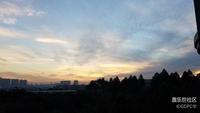 原图就那么美,哪里还需要修。记广州的天空