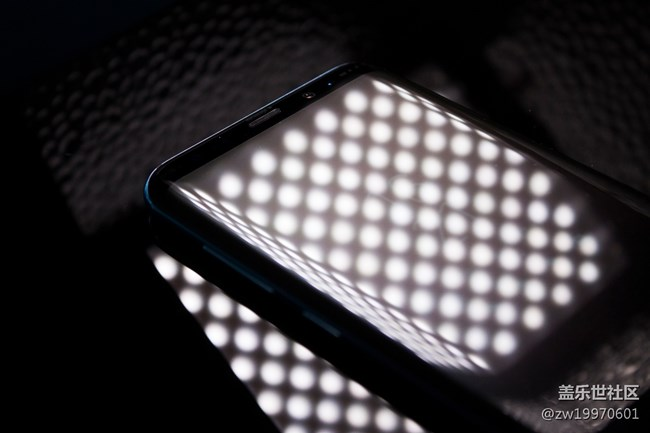 机皇回归!全银河系首个非官方Galaxy S8/S8+完整评测