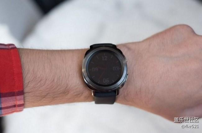 [视频]三星Gear Sport:满足你渴望的智能手表