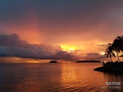 马来西亚沙巴丹绒亚路海滩日落
