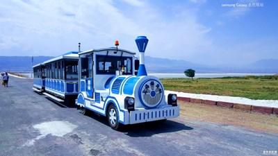 呜呜呜。。。小火车来了