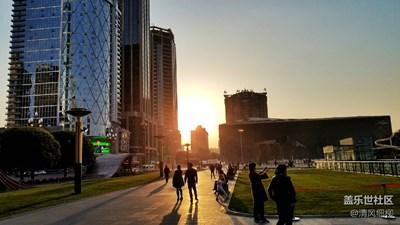 【留住记忆的照片】蓉城天府广场的夜