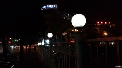 夜幕下的灯光