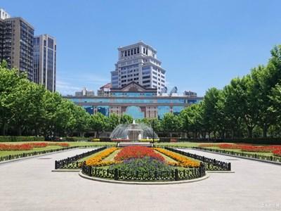 【中国最美瞬间】  春艳离别时,夏花款款来。