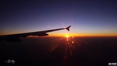 【回忆】+傍晚七点的飞机,我看到了最壮观的日落
