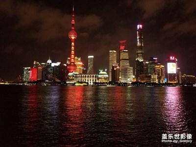 【相机里的国庆】+节日装扮下的上海