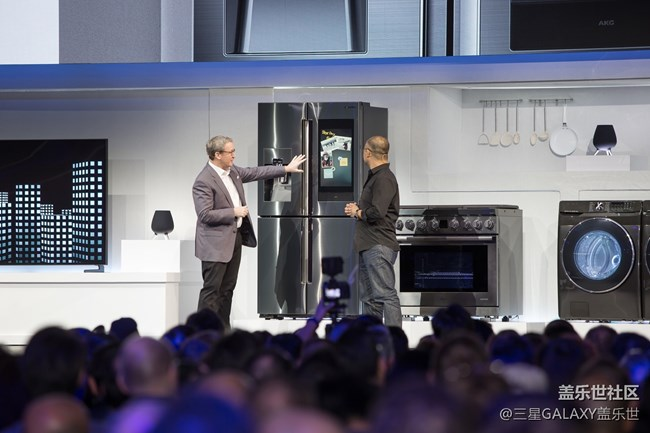 CES2019 Samsung Press Conference_Familly Hub 2019_Connected Home Demo.jpg