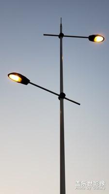 孤独的路灯杆