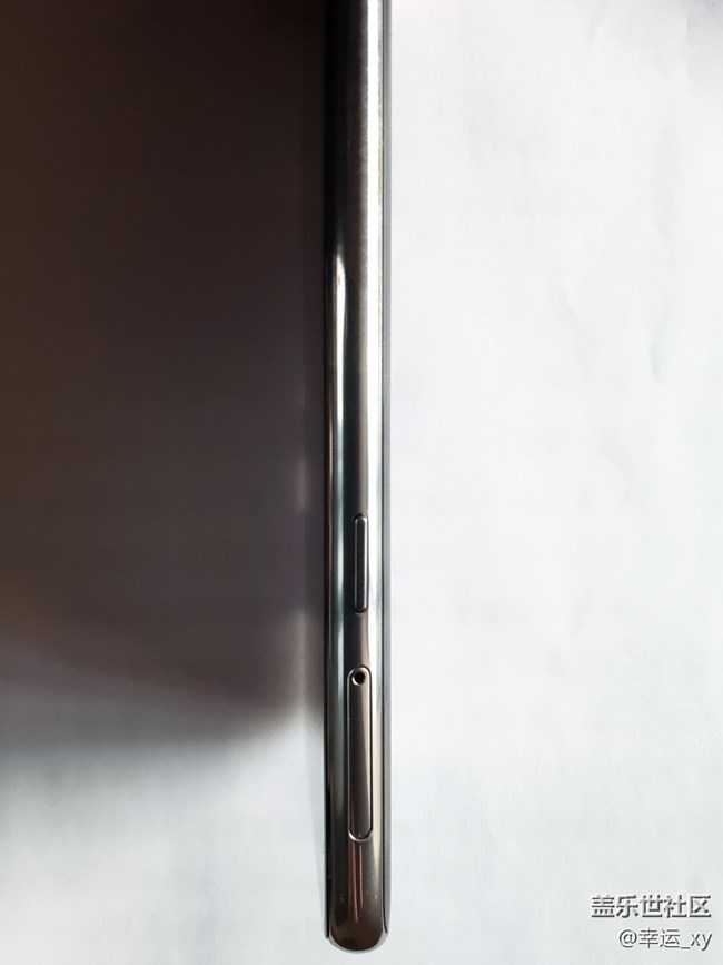 【Galaxy A8s星粉体验活动】Galaxy A8s外观