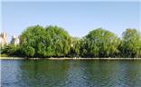 那时悠闲看河畔