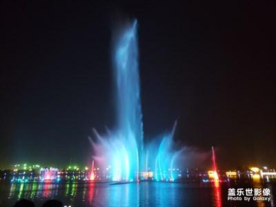 月末月头与一两好友夜游景区音乐??喷泉