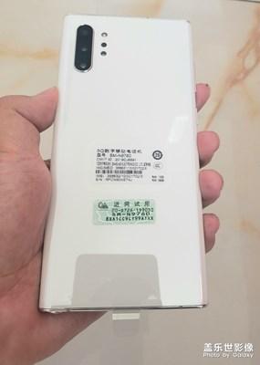 白色NOTE10 + 5G版洁白如玉