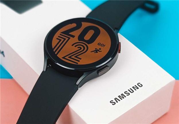 开箱一个三星 Galaxy Watch4