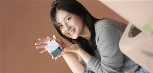 精妙配色 潮流时尚 Galaxy Z Flip3 5G保护壳美图赏